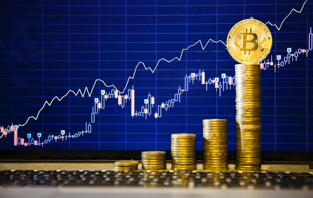 Bitcoin's Price Surge Prompting Heated Debates Among Financial Experts
